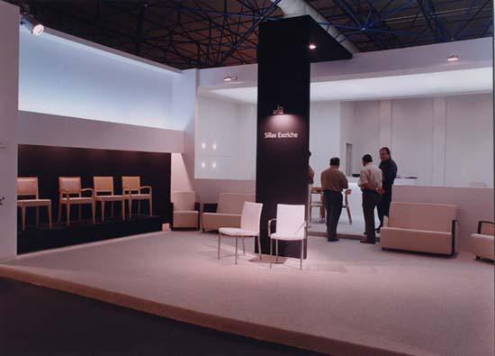 Sillas escriche stands feria decorador santiago for Trabajo decorador valencia
